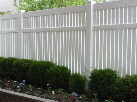 Kansas Style pvc fence