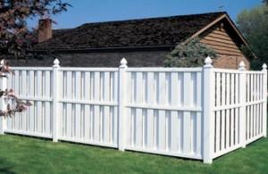 Connecticut style vinyl fence